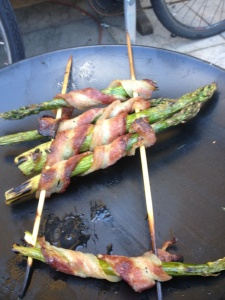 Bacon wrapped asparagus spears